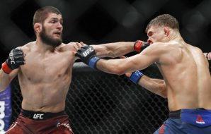 Khabib striking against Al Iaquinta