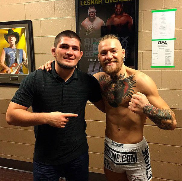 Khabib Nurmagomedov and Conor McGregor took a friendly picture after UFC 178in 2014
